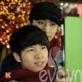 Eva tám - Ngắm ảnh Noel ấm áp của cặp đồng tính nam