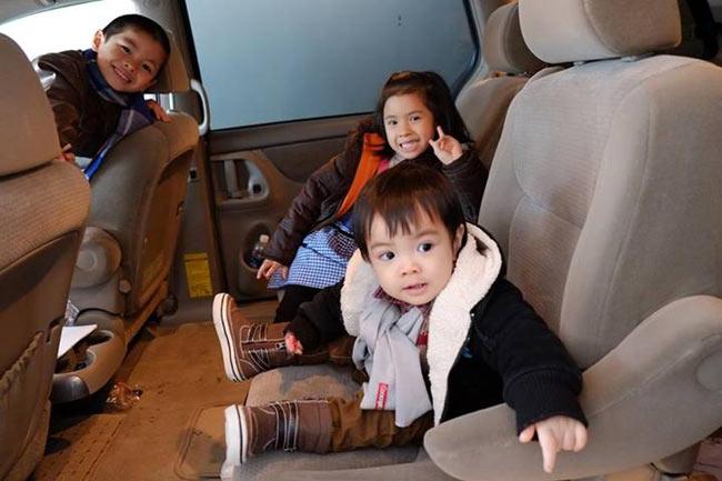 Trần Lực - vị Đạo diễn 'đào hoa' của điện ảnh Việt Nam - sau những đổ vỡ, mất mát, kiếm tìm... trên con đường tình duyên, cuối cùng cũng tìm được bến bờ bình yên, hạnh phúc bên vợ và 3 đứa con dễ thương (2 trai, 1 gái).