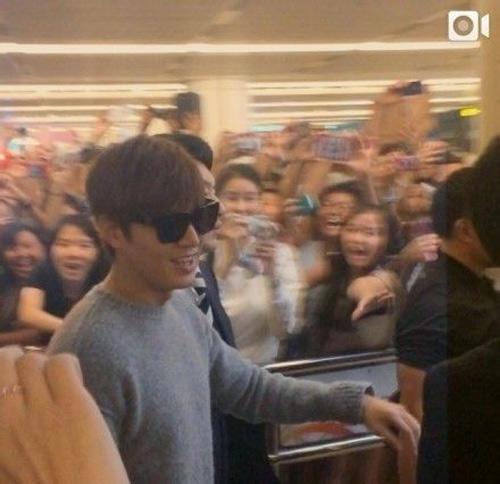 "2000 fans singapore bao vay ""kim tan"" - 5"