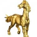 """Ngựa dát vàng giá bạc triệu """"sốt"""" trước Tết"""