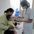 Tin tức - Nhiều trẻ nhỏ biến chứng viêm phổi vì trời lạnh