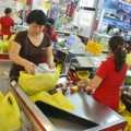 Mua sắm - Giá cả - Hàng Tết nhấp nhổm tăng giá