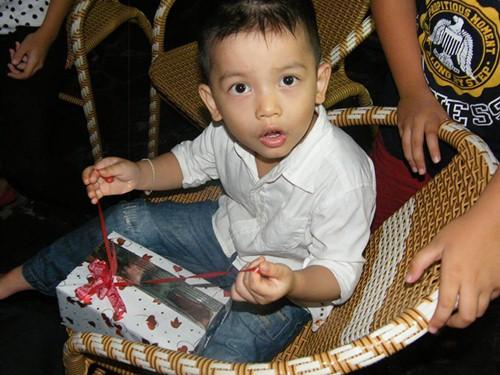 con trai nuoi di yen quynh giong het subeo - 9