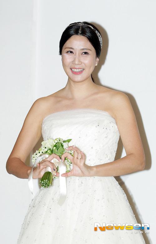 yang jeong ah mot minh rang ro trong dam cuoi - 3