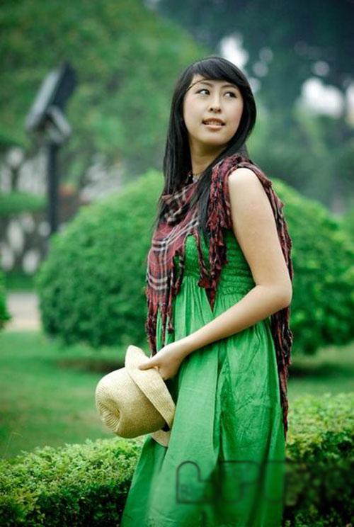 hot girl viet lam phien dich cho tong thong - 2