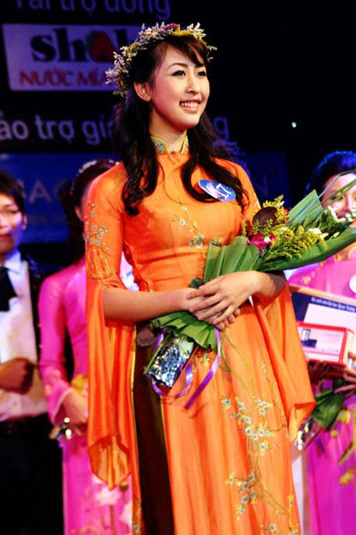 hot girl viet lam phien dich cho tong thong - 11
