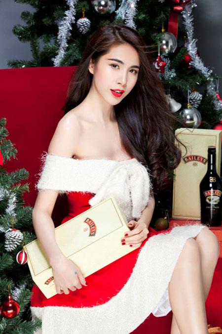 Thủy Tiên yêu kiều trong trang phục Noel - 2
