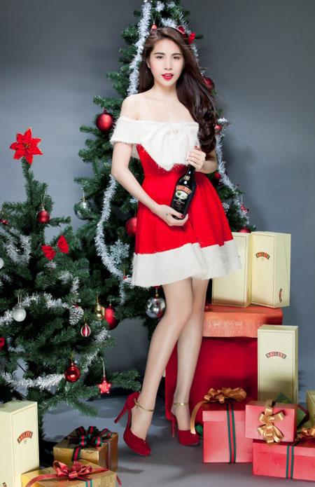 Thủy Tiên yêu kiều trong trang phục Noel - 3