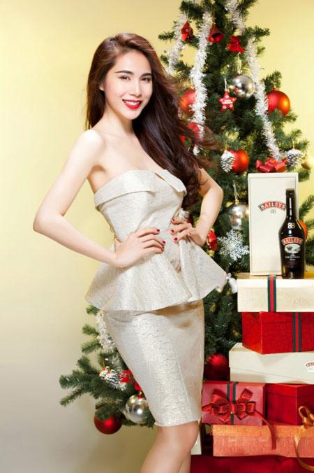 Thủy Tiên yêu kiều trong trang phục Noel - 5