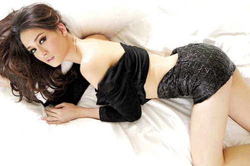 xon xao ve dep con gai bo truong thai - 16