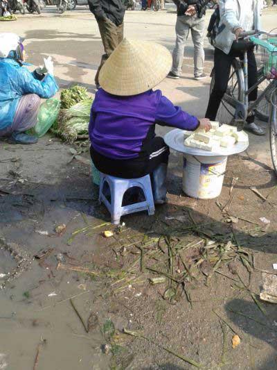 thit, ca so che tren cong nuoc thai, nuoc rua cuc ban - 3