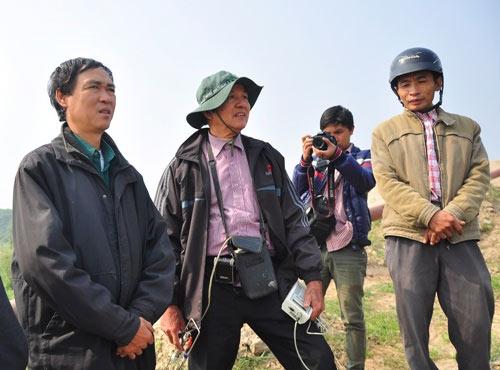 vu cat tuong: thue may muc dao sau 30m tim xac nan nhan - 1