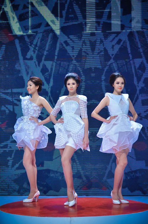 minh hanh 'trung y tuong' voi ntk tre - 9