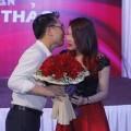 """Làng sao - Thanh Thảo được người yêu """"đại gia"""" hôn vội"""