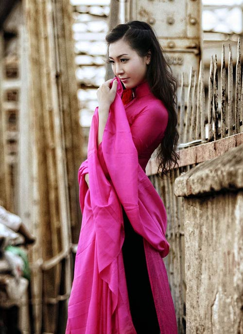 thuy trang - a hau khong dam me showbiz - 9
