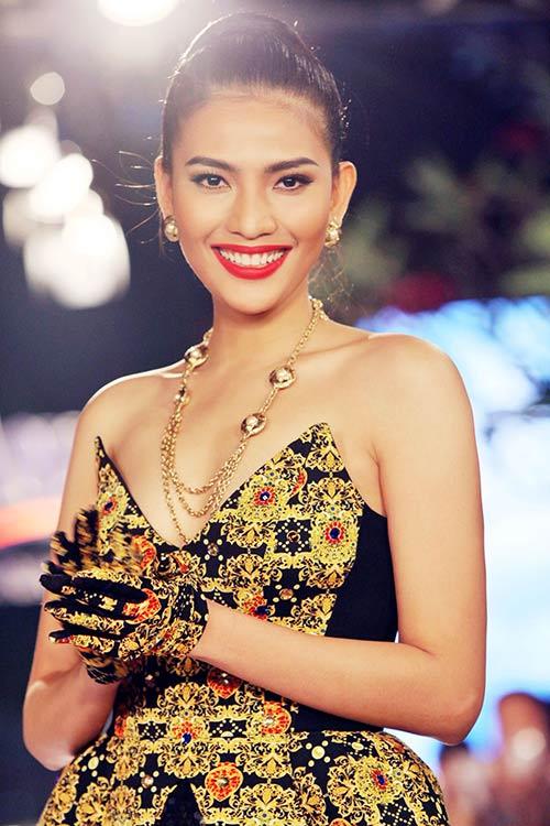 truong thi may lan dau khoe nguc day - 10