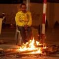 Tin tức - Hà Nội: Co ro đốt lửa sưởi ấm ven đường