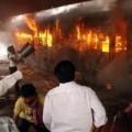 Tin tức - Ấn Độ: Lửa phừng phực nuốt tàu hỏa, 23 người chết