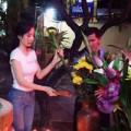 Làng sao - Angela Phương Trinh kín đáo đi lễ chùa