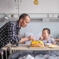 Làm mẹ - Rơi lệ với tình cảm người cha dành cho con bị bệnh