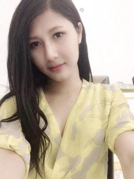 """""""hot girl chuyen gioi"""" se bi giam o buong nam hay nu? - 1"""