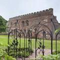Nhà đẹp - Ngỡ ngàng vẻ đẹp mới cho lâu đài cổ hoang phế