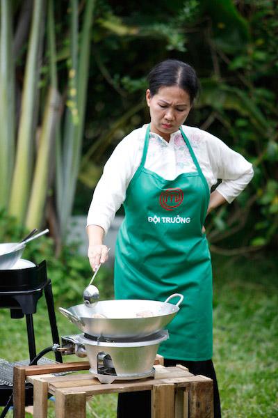 khanh phuong: nhuom toc cho ca tinh hop voi chuong trinh - 4