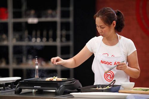 khanh phuong: nhuom toc cho ca tinh hop voi chuong trinh - 3