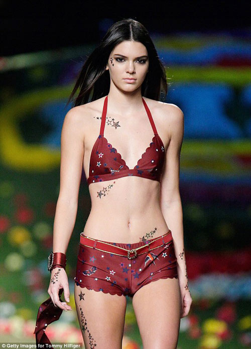 "kendall jenner se la ""thien than"" cua victoria's secret? - 1"