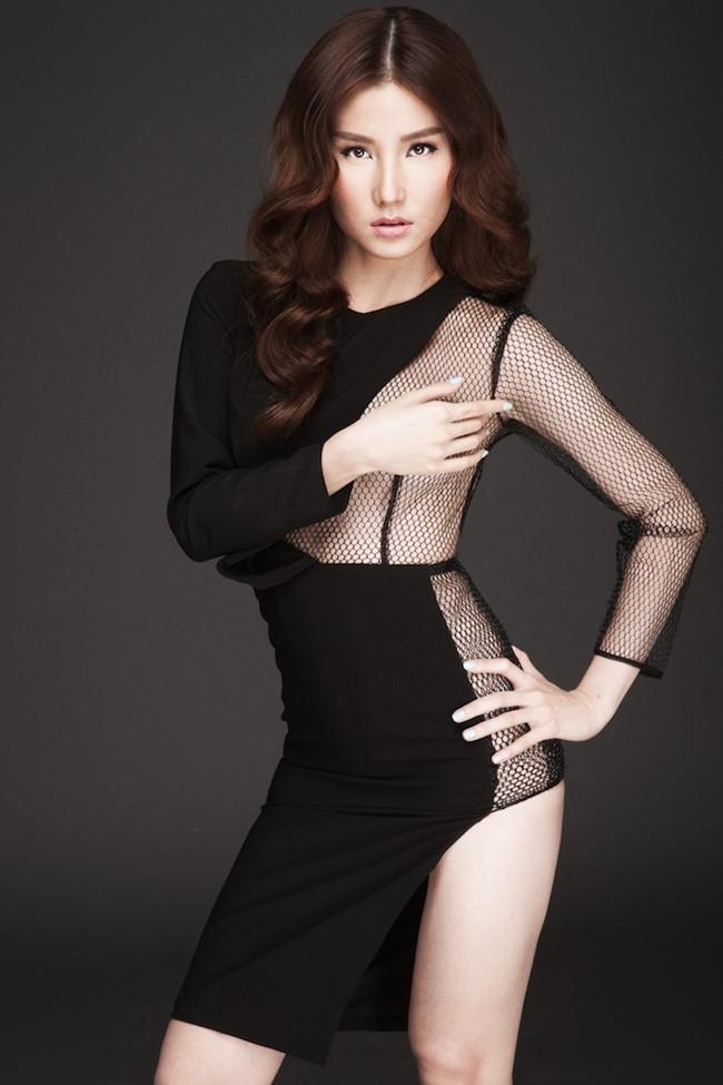 Diễm My 9X ngày càng sexy và gợi tình, cô thường xuyên lựa chọn những bộ trang phục có độ hở khá táo bạo.
