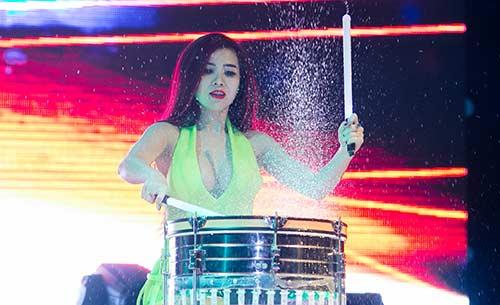 DJ Thuý Khanh quá đỗi gợi cảm sau ồn ào đời tư - 3