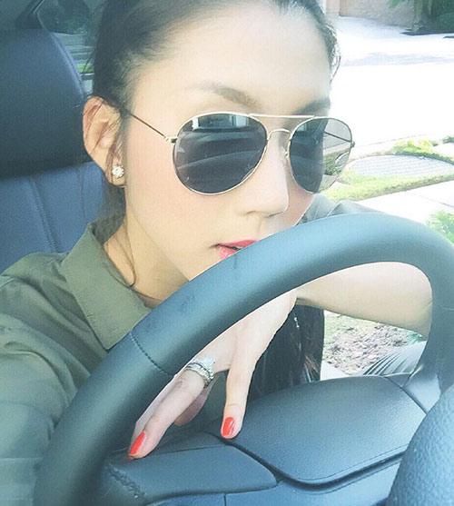 ngoc quyen hanh phuc khoe xe hoi chong tang - 6