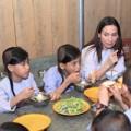 Làng sao - Cuộc sống giản dị của Phi Nhung bên 18 đứa con