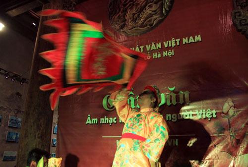 """to mo xem """"thanh dong thoat xac"""" hau dong - 9"""
