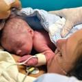 Bà bầu - Đột phá y học: Mẹ cấy ghép tử cung đầu tiên sinh con