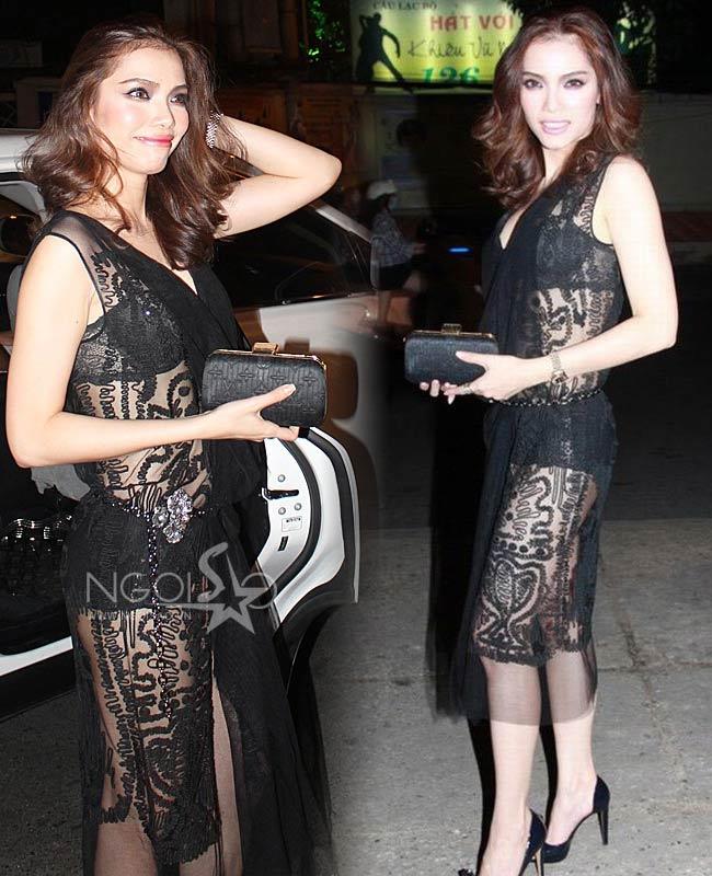 Quách An An được phong là 'Đệ nhất xuyên thấu' của showbiz Việt khi cô thường xuyên diện kiểu đầm này tại hầu hết các sự kiện giải trí. Những thiết kế của NTK Hoàng Hải đặc biệt được người đẹp 'gửi trọn niềm tin'.