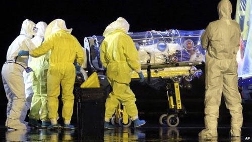 xuat hien ca nhiem ebola dau tien ben ngoai tay phi - 2