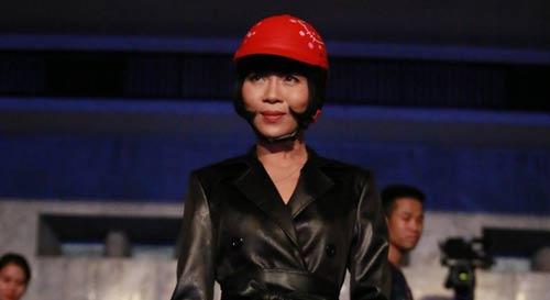 "dan truong: ""trac thuy mieu khong du trinh do tham dinh"" - 4"