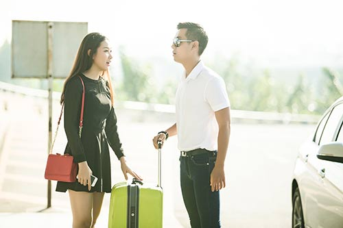 "mc nguyen khang ru ""ban gai"" di thai lan - 2"