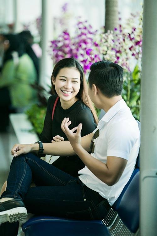 "mc nguyen khang ru ""ban gai"" di thai lan - 10"