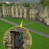 Bóng ma xuất hiện giữa tòa lâu đài cổ