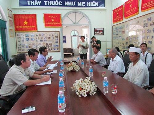 me con san phu chet bat thuong: vi sao khong mo cuu con? - 1