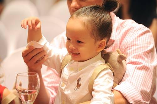 Những nhóc tỳ song sinh đáng yêu của Sao Việt-4