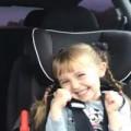 "Clip Eva - Cô bé dễ thương song ca cùng bố ""Let it go"" gây sốt"