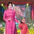 Làng sao - Á hậu Trà Giang ra Hà Nội dự lễ hội áo dài