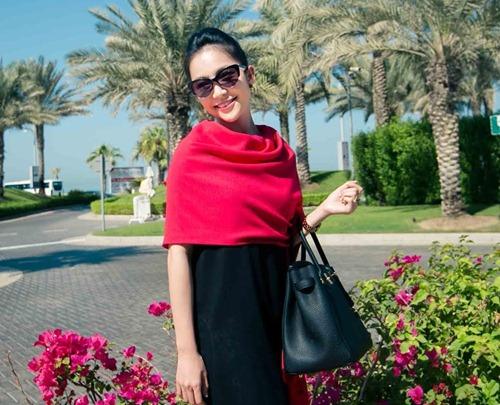 Thủy Tiên sành điệu bên Noo Phước Thịnh tại Dubai-5