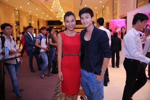 """Hoàng Oanh thừa nhận yêu """"phi công trẻ"""" Huỳnh Anh - 1"""
