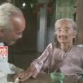 Tin tức - Đạo hiếu trong gia đình con trai 85 tuổi vẫn cõng mẹ đi chơi