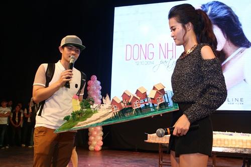 ong cao thang bong be dong nhi tren san khau - 11