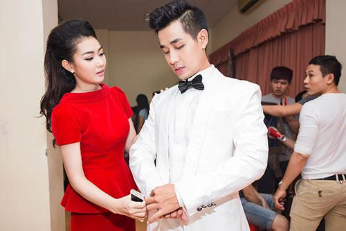 "mc nguyen khang duoc ""ban gai"" cham soc tan tinh - 5"